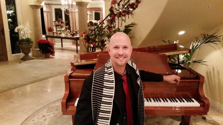 Christmas Party Pianist