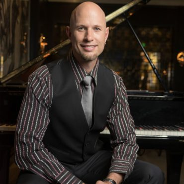 Jeremy Weinglass pianist at hotel bel air